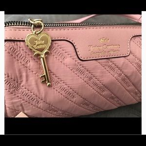 Juicy Couture Bags - NWT Juicy Couture Cloud Nine Crossbody Blush